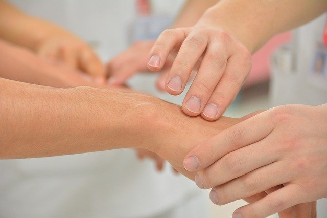 Syndrome de douleur régionale complexe: la kinésithérapie contre les complications